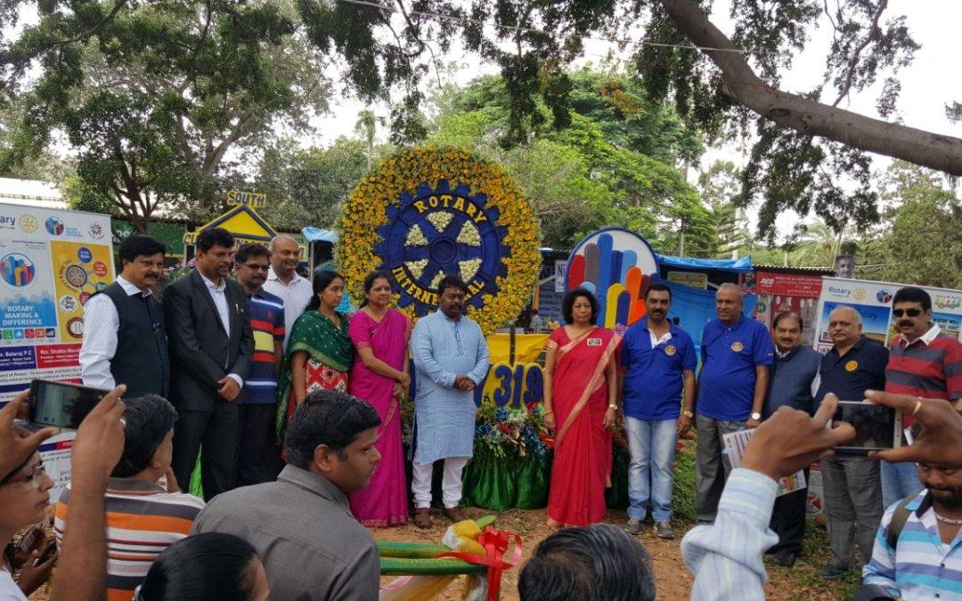 Rotary Wheel on Flower Show