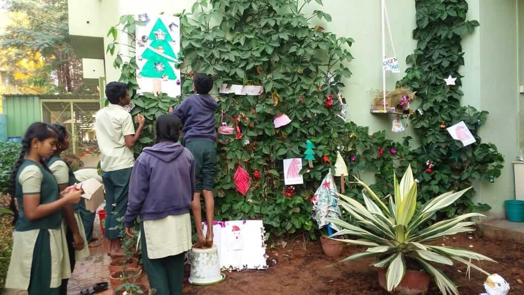 Christmas Celebrations using Waste